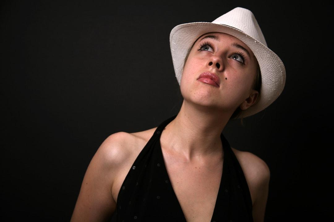 Oana as Miss Monroe